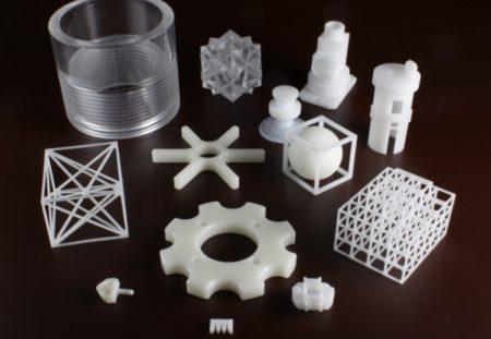 11 高精度に仕上げるプラスチック切削加工技術