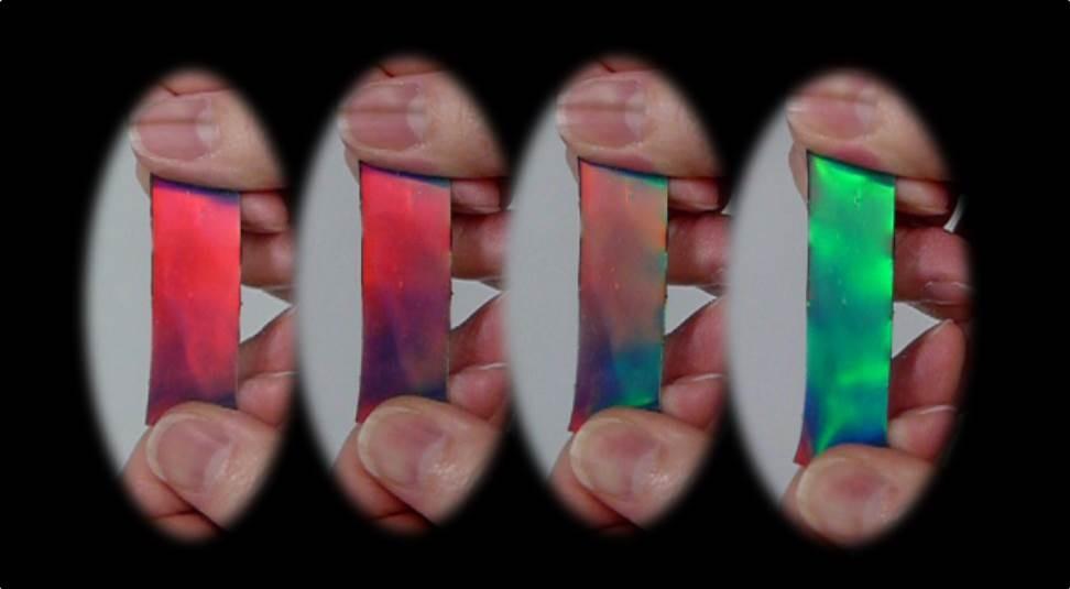 29 変形により色の変わるフォトニックラバー